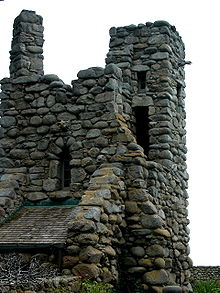 220px-Robinson_Jeffers_Hawk_Tower,_Tor_House,_Carmel,_CA_2008_Photo_by_Celeste_Davison
